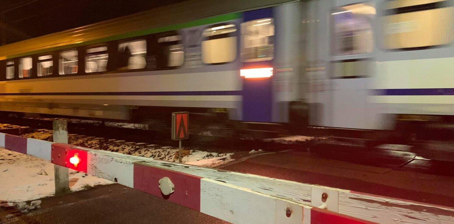 Gniewkowo - Wpadł na przejeździe kolejowym. Miał narkotyki