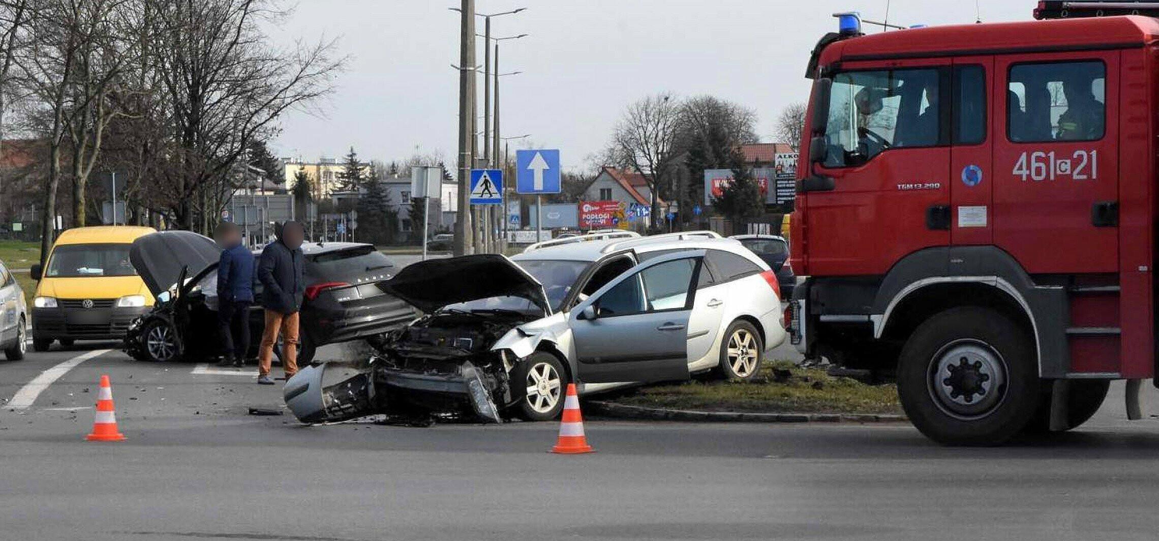 Inowrocław - Kolejna kraksa na ruchliwym skrzyżowaniu