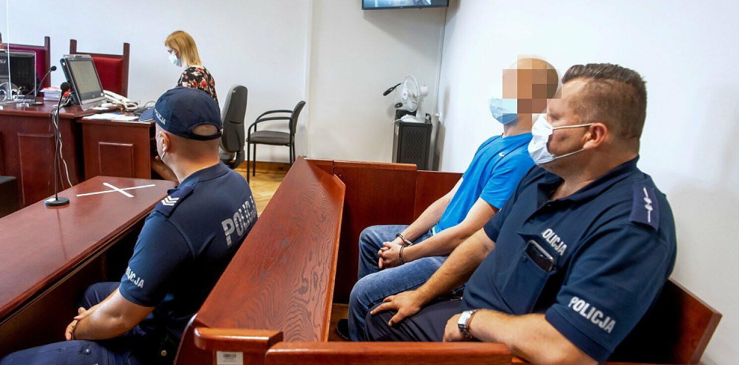 Region - Włocławek: ruszył proces 32-latka, który znęcał się nad żoną i sześciorgiem dzieci