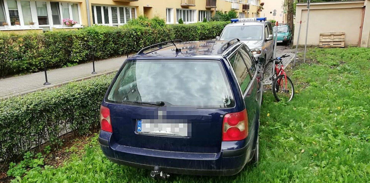 Inowrocław - Blokują wjazdy, parkują na miejscach dla inwalidów